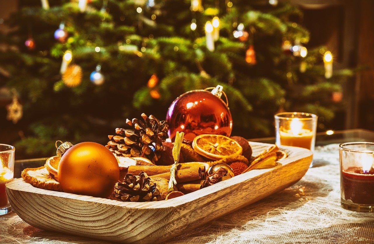christmas-3835447_1280